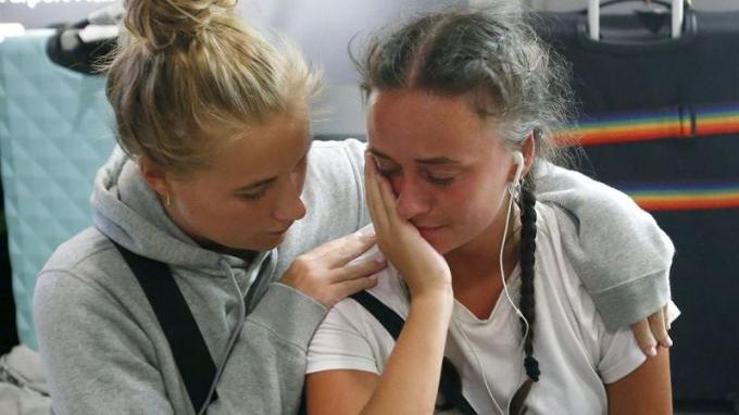 Một nhóm 25 sinh viên Đan Mạch đã phải ở lại qua đêm tại sân bay Suvarnabhumi sau khi không thể nối chuyến tại Bangkok, Thái Lan ngày 28/2