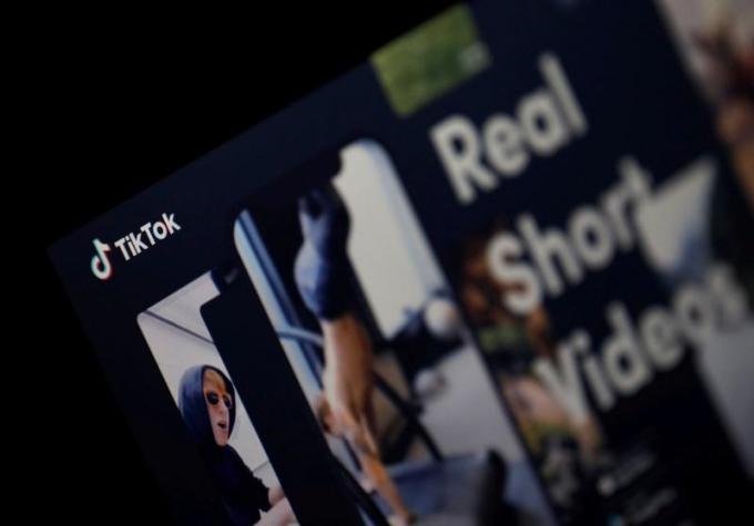 Logo của ứng dụng TikTok được nhìn thấy trên màn hình trong hình minh họa này được chụp vào ngày 21 tháng 2 năm 2019. REUTERS