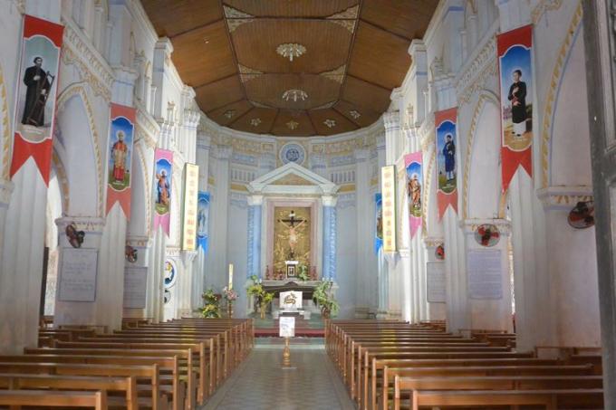 Nhà thờ đẹp mê hồn với những đường nét kiến trúc Gothic