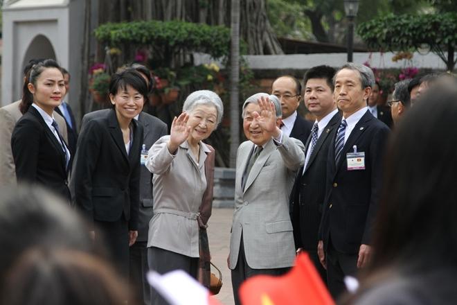 Nhà vua và Hoàng hậu Nhật Bản đã rời Huế trong ngày 5-3-2017, kết thúc tốt đẹp chuyến thăm cấp Nhà nước đến Việt Nam và sau đó tới Bangkok của Thái Lan. Ngày 30-4, nhân dịp Nhà Vua Nhật Bản Akihito thoái vị, trở thành Thượng Hoàng, Tổng Bí thư, Chủ tịch nước Nguyễn Phú Trọng đã gửi thư tới Thượng Hoàng Nhật Bản Akihito. Trong thư, Tổng Bí thư, Chủ tịch nước Nguyễn Phú Trọng đã cảm ơn những tình cảm tốt đẹp của Thượng Hoàng Akihito đối với đất nước, con người Việt Nam, đồng thời đánh giá cao ý nghĩa lịch sử chuyến thăm Việt Nam đầu tiên của Nhà Vua Nhật Bản năm 2017, khi Thượng Hoàng Akihito còn tại vị.