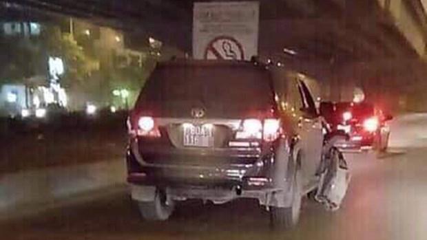 Chiếc xe biển xanh nghi gây tai nạn rồi bỏ chạy (Ảnh: Otofun)