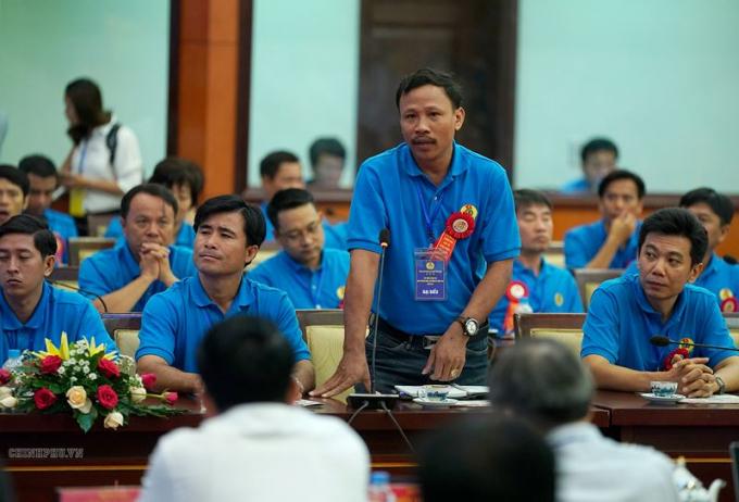 Đại diện công nhân tham dự buổi đối thoại. Ảnh: VGP/Quang Hiếu