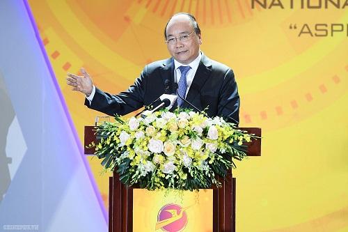 Thủ tướng Chính phủ Nguyễn Xuân Phúc phát biểu tại Diễn đàn quốc gia Phát triển doanh nghiệp công nghệ Việt Nam. Ảnh: VGP/Quang Hiếu