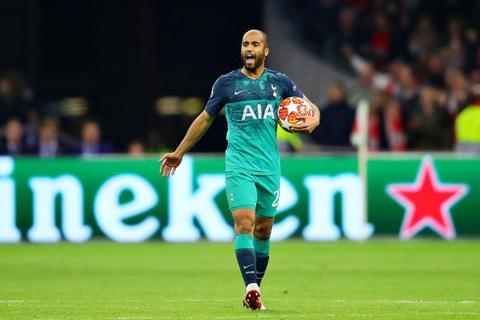 Moura ghi 2 bàn trong 4 phút giúp Tottenham nuôi hy vọng ngược dòng