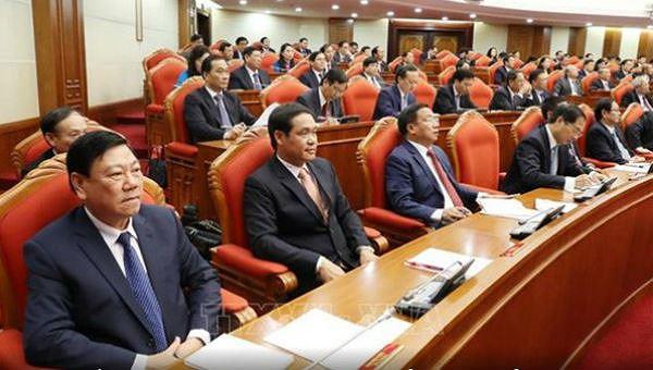 Các Ủy viên Trung ương thảo luận về Báo cáo tổng kết thực hiện Chỉ thị số 36-CT/TW của Bộ Chính trị khoá XII