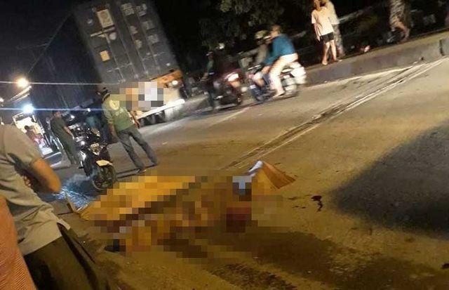 Ngay khi gây ra tai nạn, tài xế xe đầu kéo container đã lái xe bỏ chạy khỏi hiện trường.