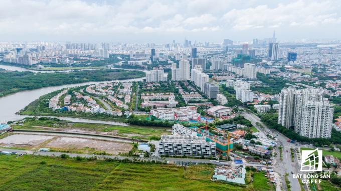 Dự án nằm trên trục đường Nguyễn Lương Bằng, Phường Phú Mỹ, trung tâm thương mại và tài chính của khu đô thị Phú Mỹ Hưng, Quận 7.