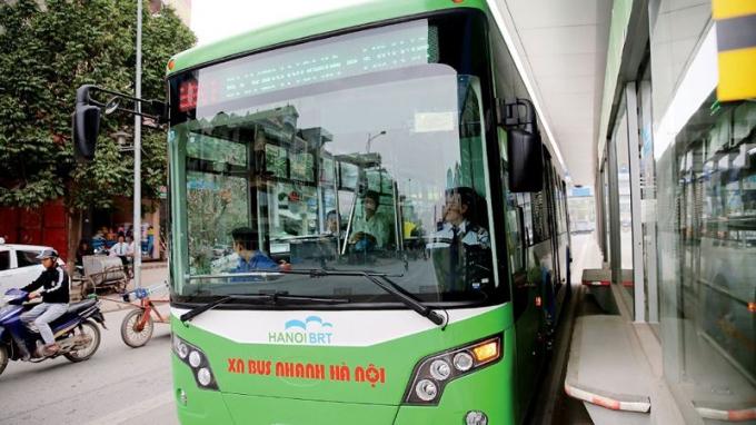Có thời điểm, BRT Hà Nội chỉ đạt bình quân 41 hành khách/lượt xe có sức chở trăm người