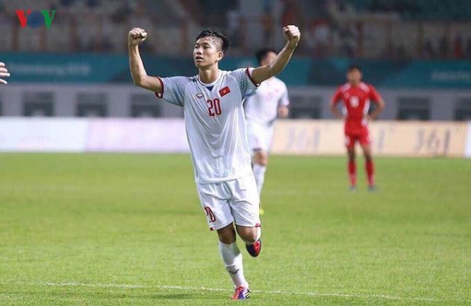 Phan Văn Đức bị đứt đây chằng chéo đầu gối và sẽ phải nghỉ thi đấu hết mùa giải 2019