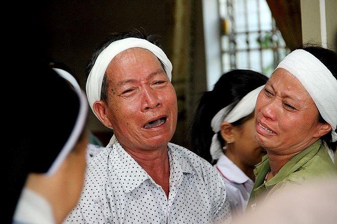 Nỗi đau người thân của người phụ nữ tử vong trong lúc tham gia chữa cháy rừng.