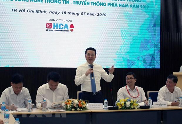 Bộ trưởng Nguyễn Mạnh Hùng tại buổi gặp gỡ giới công nghệ thông tin - truyền thông phía Nam hôm 15/7 - Ảnh: Hải Đăng