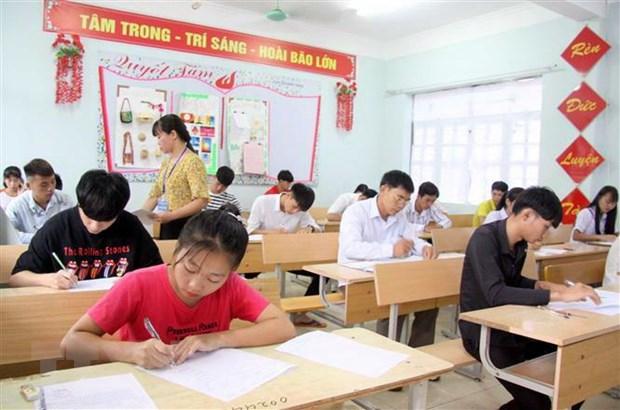 Thí sinh dự thi tại điểm thi Trường Trung học phổ thông Than Uyên, huyện Than Uyên tỉnh Lai Châu. (Ảnh: Quý Trung/TTXVN)