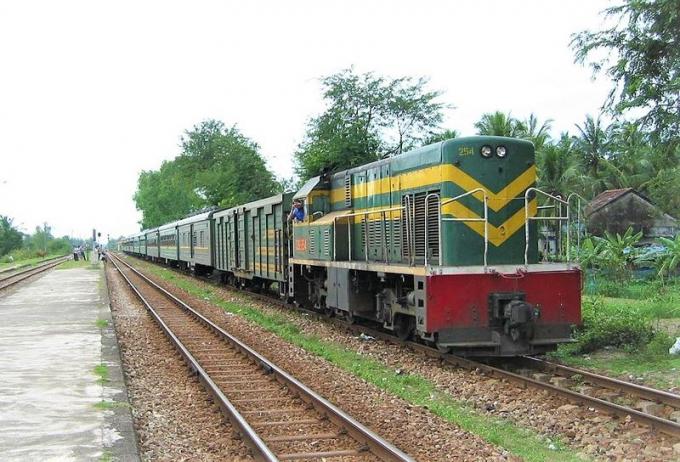 Bộ GTVT dự kiến giữa năm 2021 mới hoàn thành việc cải tạo đường sắt từ gói đầu tư 7.000 tỷ đồng.