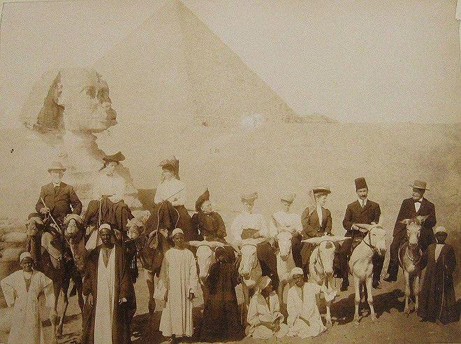 Một đoàn thám hiểm người phương Tây tại Ai Cập đầu thế kỷ 20