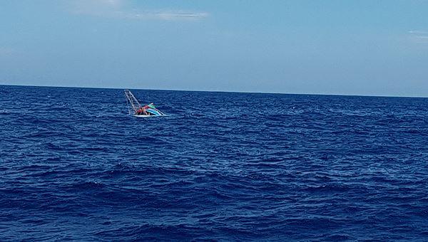Tàu QB 92838 TS bị chìm