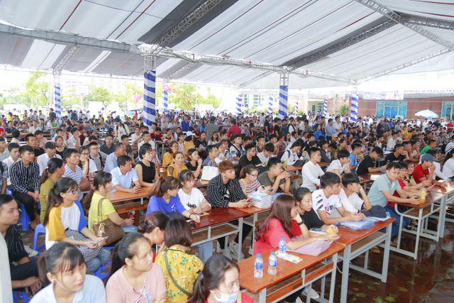 6.000 thí sinh đã đến nhập học vào trường ĐH Công nghiệp Hà Nội tại cơ sở Hà Nam.