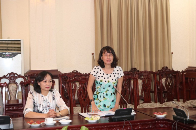 Phó Vụ trưởng Phan Thị Hồng Hà công bố Quyết định nghỉ hưu