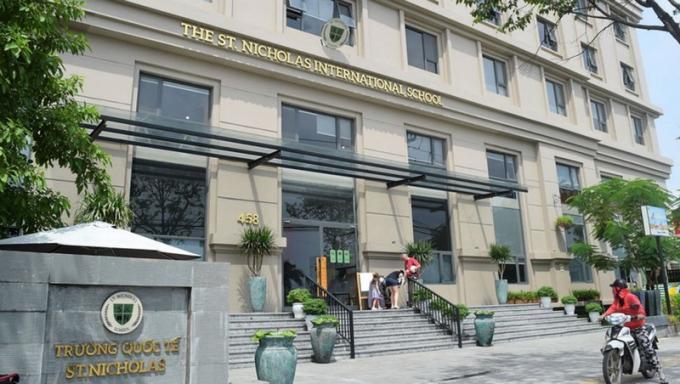 Trường St. Nicholas được thành lập trước khi có giấy phép xây dựng.