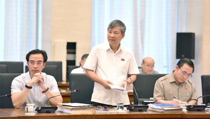 ĐB Nguyễn Anh Trí đặt câu hỏi với Bộ trưởng Bộ Y tế
