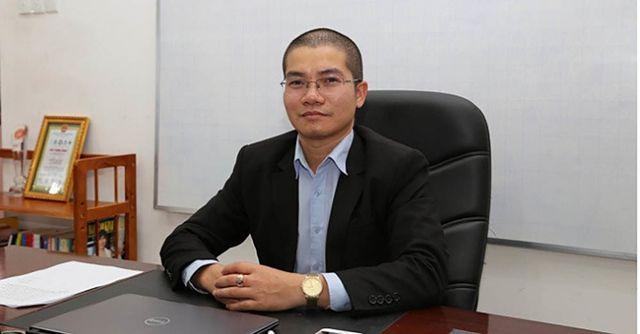 Nguyễn Thái Luyện chỉ đạo nhân viên làm lớn chuyện.