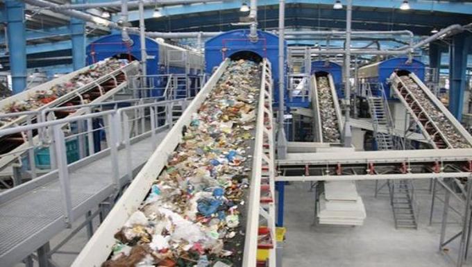 Indonesia đổi chai nhựa lấy vé xe buýt để bảo vệ môi trường