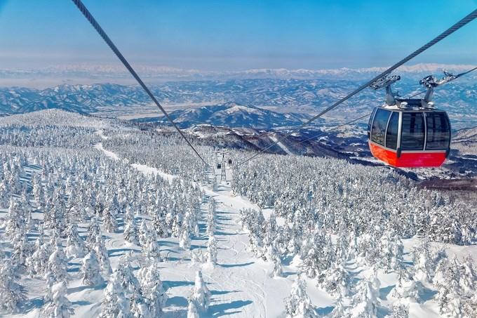 Yamagata, Nhật Bản Nếu bạn thích trượt tuyết, đừng bỏ lỡ khu nghỉ dưỡng Zao ở tỉnh Yamagata. Những đường trượt ở đây có tuyết rơi dày nhất Nhật Bản. Khu vực còn nổi tiếng với Juhyo