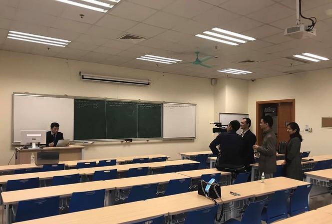 Tổ chức dạy online cho sinh viên tại trường ĐH Kinh tế quốc dân. Ảnh: ĐH Kinh tế quốc dân