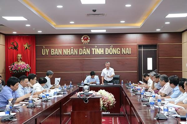 Chủ tịch UBND tỉnh Cao Tiến Dũng phát biểu tại buổi làm việc