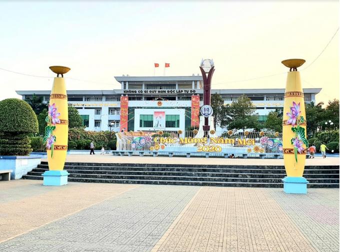 Ngày 10/01/2019, Chủ tịch Quốc hộiNguyễn Thị Kim Ngân thay mặt Ủy ban Thường vụ Quốc hội đã ký nghị quyết về việc thành lập 2 TP Dĩ An và Thuận An thuộc tỉnhBình Dương. Ảnh: Kỳ Lâm