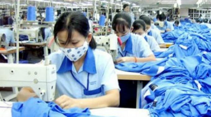 Công nhân gặp nhiều khó khăn trong mùa dịch.