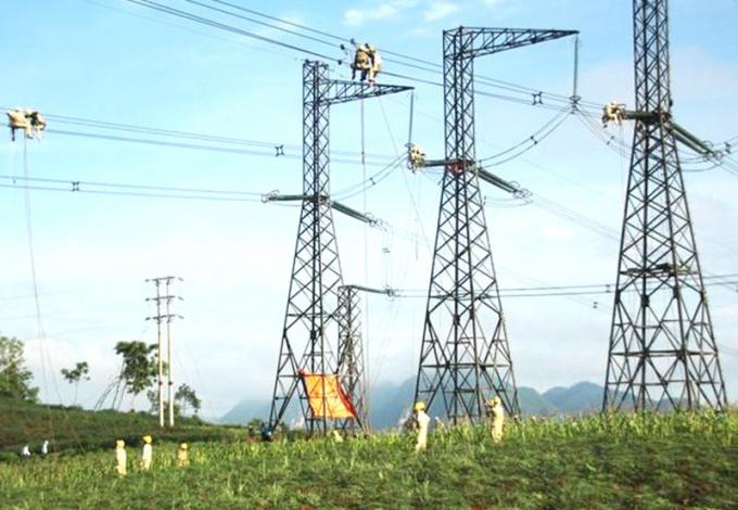 Giới chuyên môn cho rằng, riêng hệ thống truyền tải điện quốc gia, Nhà nước cần nắm độc quyền trong đầu tư, quản lý vận hành.