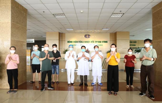 Một số bệnh nhân mắc COVID-19 được công bố khỏi bệnh trước đó tại Bệnh viện Bệnh Nhiệt đới Trung ương.