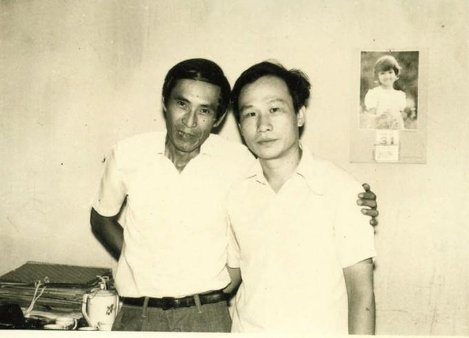 Ông Lê Cảnh Thuận - nguyên Tổng Biên tập - và ông Vũ Duy Thiệu - nguyên Trưởng ban Thư ký Tòa soạn Báo Pháp luật thường thức, nay là Báo Pháp luật Việt Nam.
