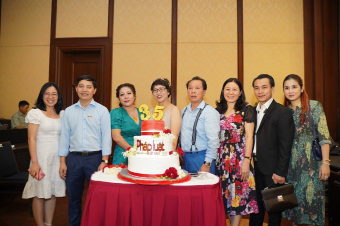 Mừng sinh nhật Báo Pháp luật Việt Nam tuổi 35