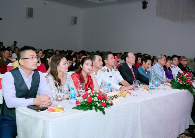 Hình ảnh khách mời tại buổi lễ.