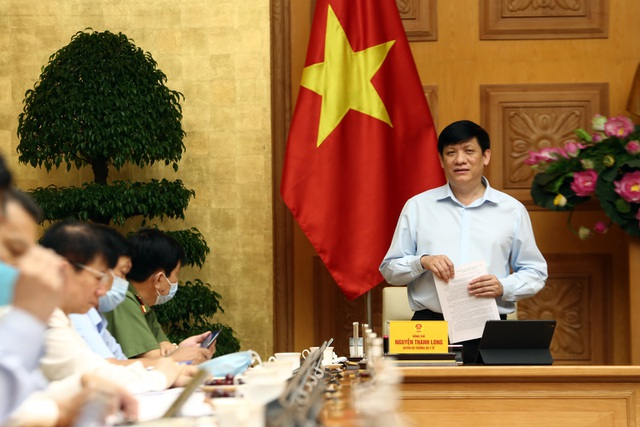 Quyền Bộ trưởng Bộ Y tế Nguyễn Thanh Long đưa ra dự báo về diễn biến dịch bệnh những ngày tới.