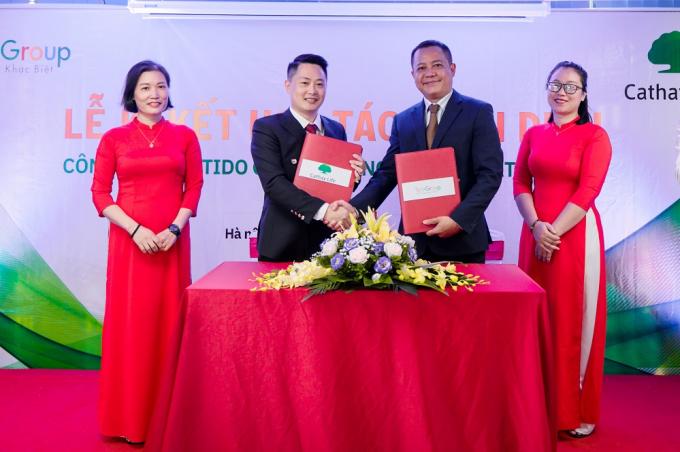Lễ kí kết hợp tác toàn diện giữa Tido Group và Cathay Life.