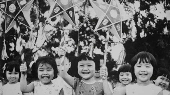 Ảnh Tết Trung thu năm 1989 của thế hệ 7X, 8X Việt.