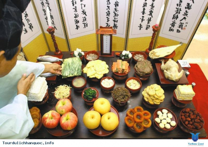 Mâm cỗ Trung thu của người Hàn Quốc.