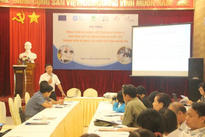 Ông Lê Văn Lý - Trung tâm Trợ giúp pháp lý tỉnh Nghệ An cho biết việc trợ giúp cho người khuyết tật gặp khó khăn từ chính nạn nhân do sự e ngại, xấu hổ, cam chịu, sợ bị trả thù