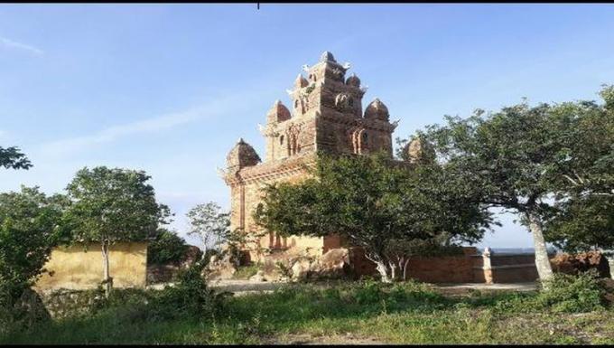 Tháp Pô RôMê.