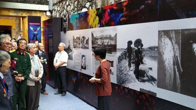 Nhiều đại biểu, cựu chiến binh tham dự lễ khai mạc ngày 23/11. (Ảnh: Minh Thu/Vietnam+).