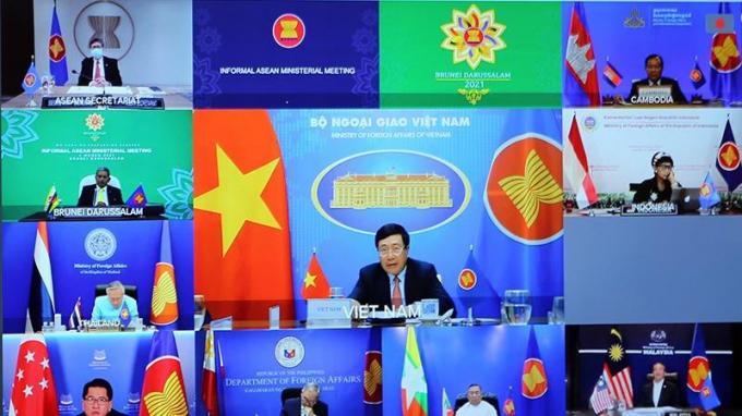 Phó Thủ tướng Phạm Bình Minh dự Hội nghị Bộ trưởng Bộ Ngoại giao ASEAN không chính thức theo hình thức trực tuyến.