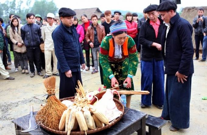 Lễ hội Gầu Tào của người Mông.