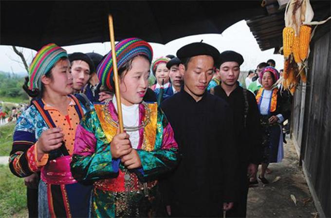 https://media.phapluatplus.vn/files/phantuyen/2021/09/12/nguoi-hmong-1441-2228.jpg