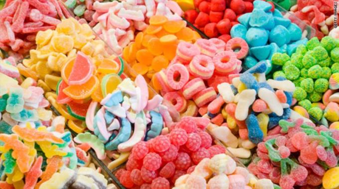 Thị trường bánh kẹo hiện chất lượng, mẫu mã phong phú đa dạng, giá cả cạnh tranh cao.
