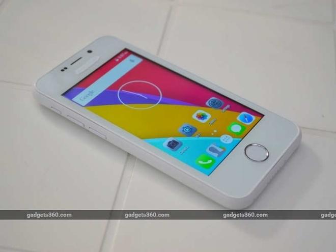 Smartphone giá rẻ đến từ Ấn Độ chạy hệ điều hành Android 5.1, song các icon trên máy khá giống của iOS 9. Máy hỗ trợ kết nối 3G, Wi-Fi, Bluetooth và GPS.
