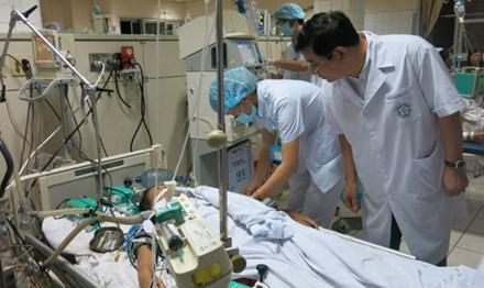 Một bệnh nhân chạy thận đang điều trị tại Bệnh viện Đa khoa Hòa Bình.