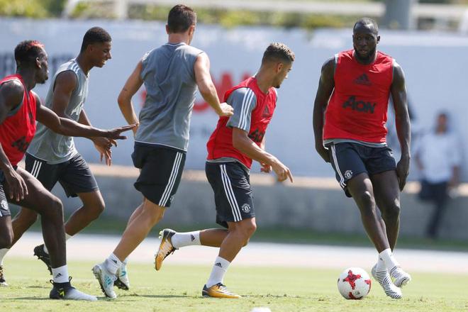 Lukaku có buổi tập đầu tiên ở Manchester United