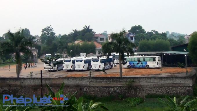 Bãi xe không phép tại xã Quang thịnh, huyện Lạng Giang (Bắc Giang) doCông ty Ngọc Khánh đầu tư xây dựng và đi vào hoạt động từ đầu năm 2017.